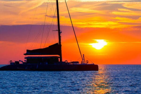 Яхт Тур Из Отеля Calista На Закате Солнца