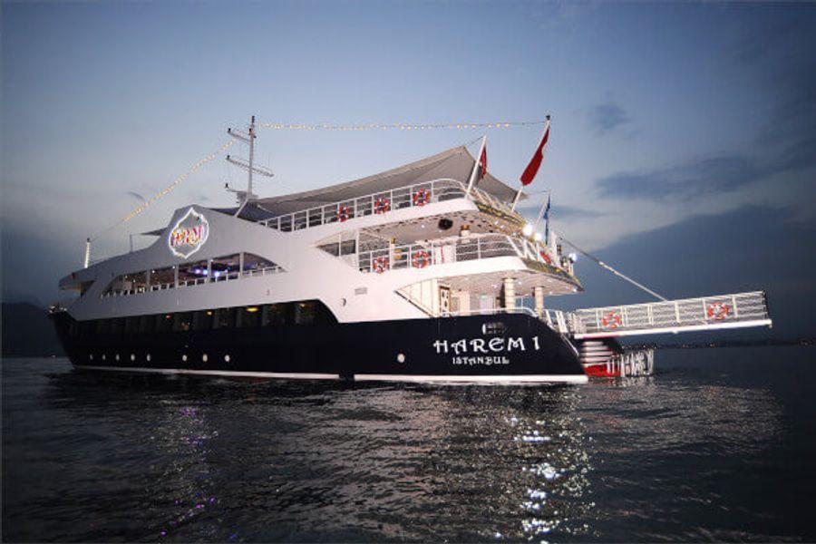 Harem Yacht & Disco Tour